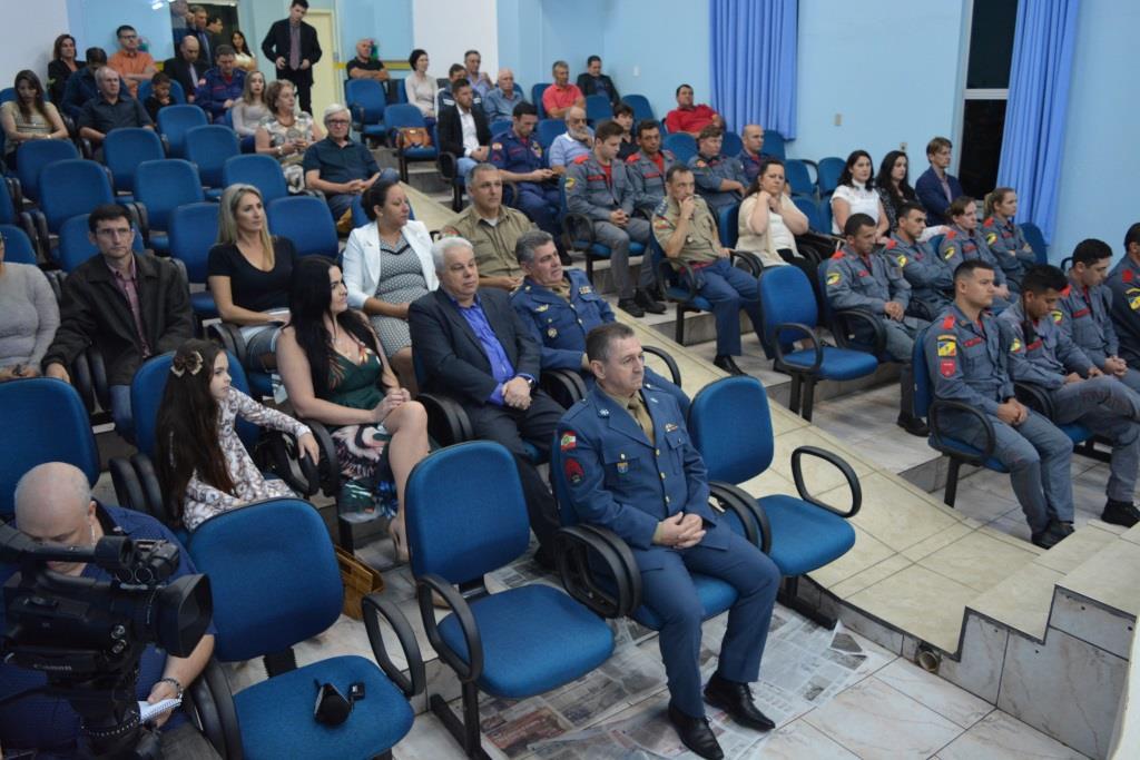 Câmara faz Sessão Solene para entrega de títulos de cidadão campoerense