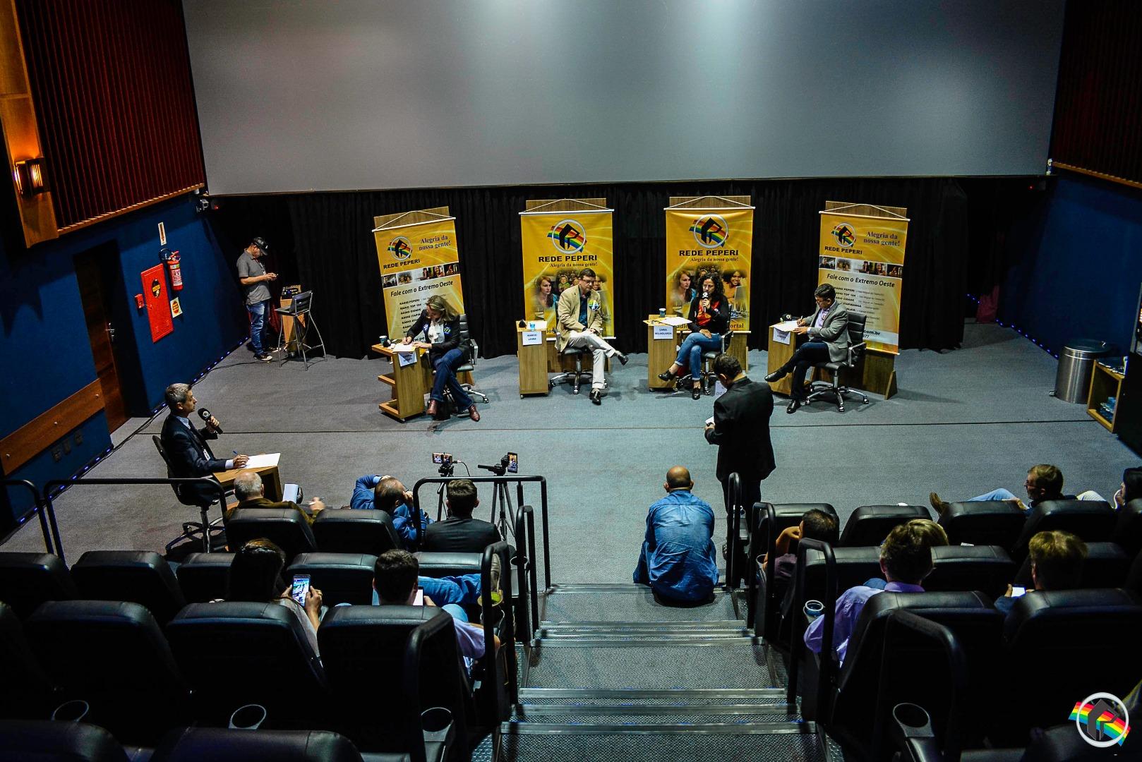 VÍDEO: Quatro candidatos participam de debate para vice-governador