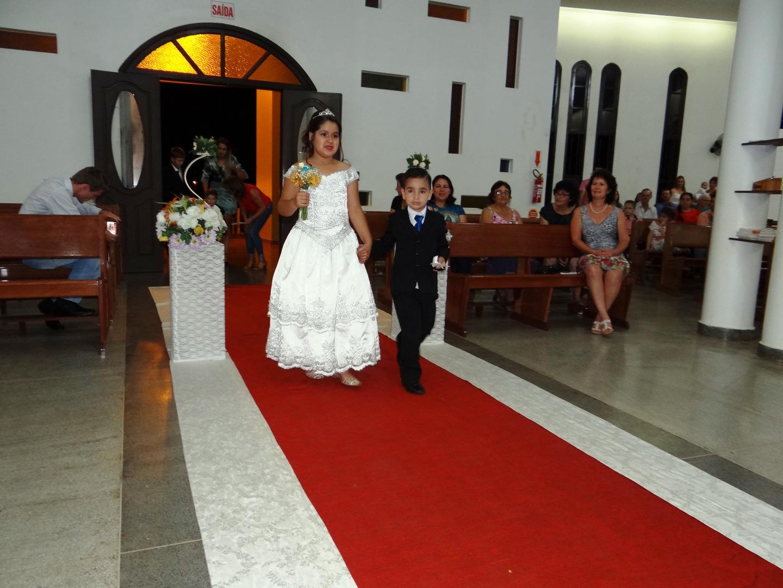 Paróquia Nossa Senhora das Mercês reúne quatro casais no 2º casamento coletivo