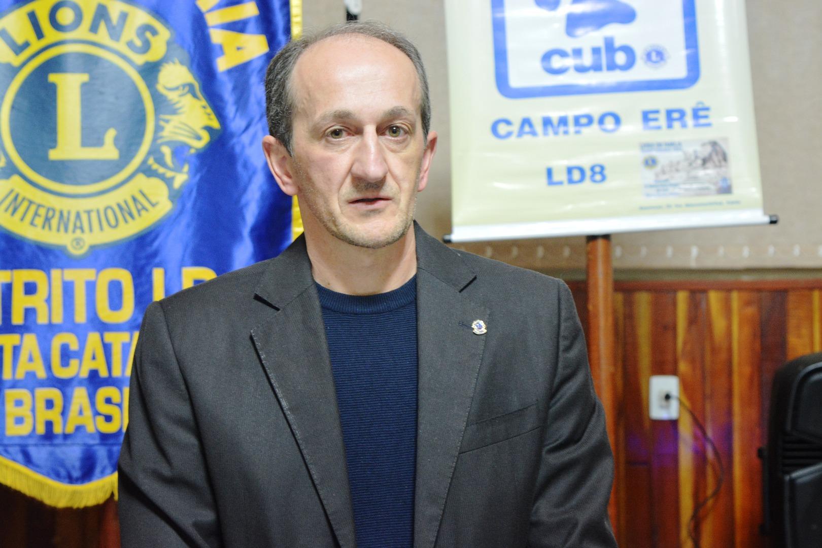Lions Clube empossa novos associados