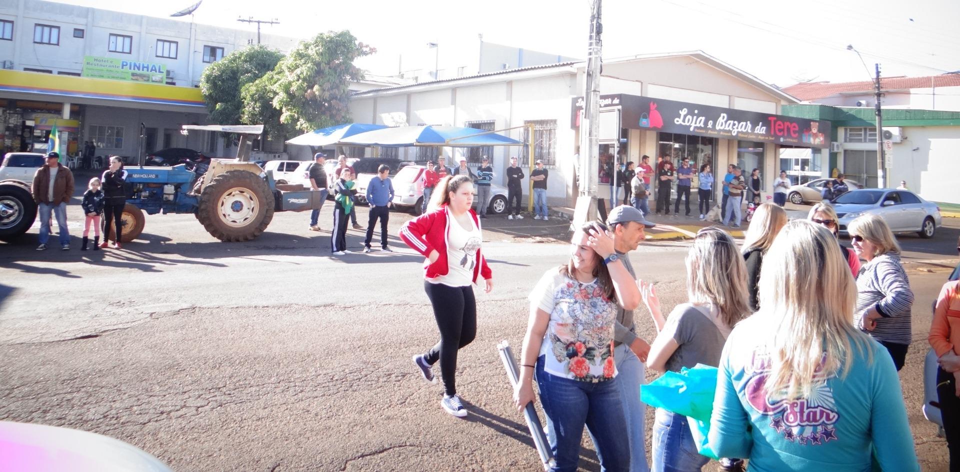 Entidades de Iporã do Oeste se unem em apoio a greve dos caminhoneiros