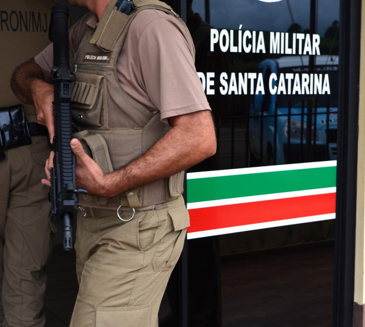 Polícia Militar recebe arma para reforçar segurança