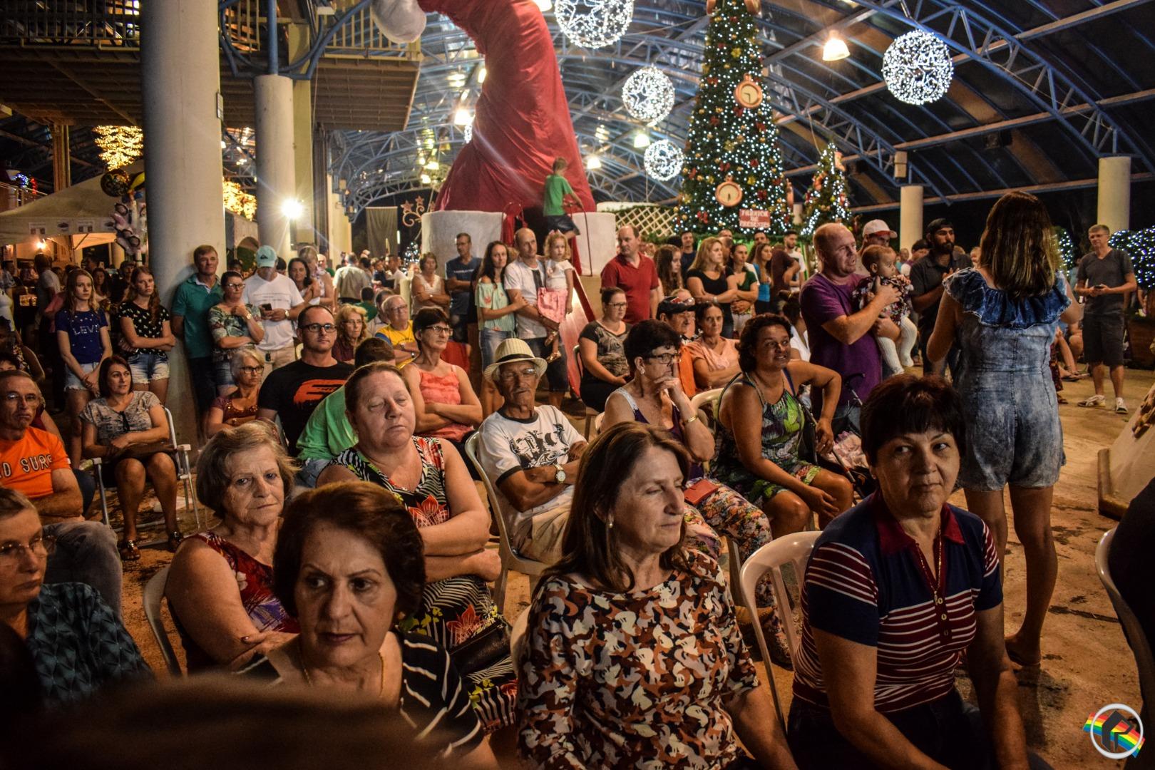 VÍDEO: Público prestigia sorteio de prêmio da CDL no município