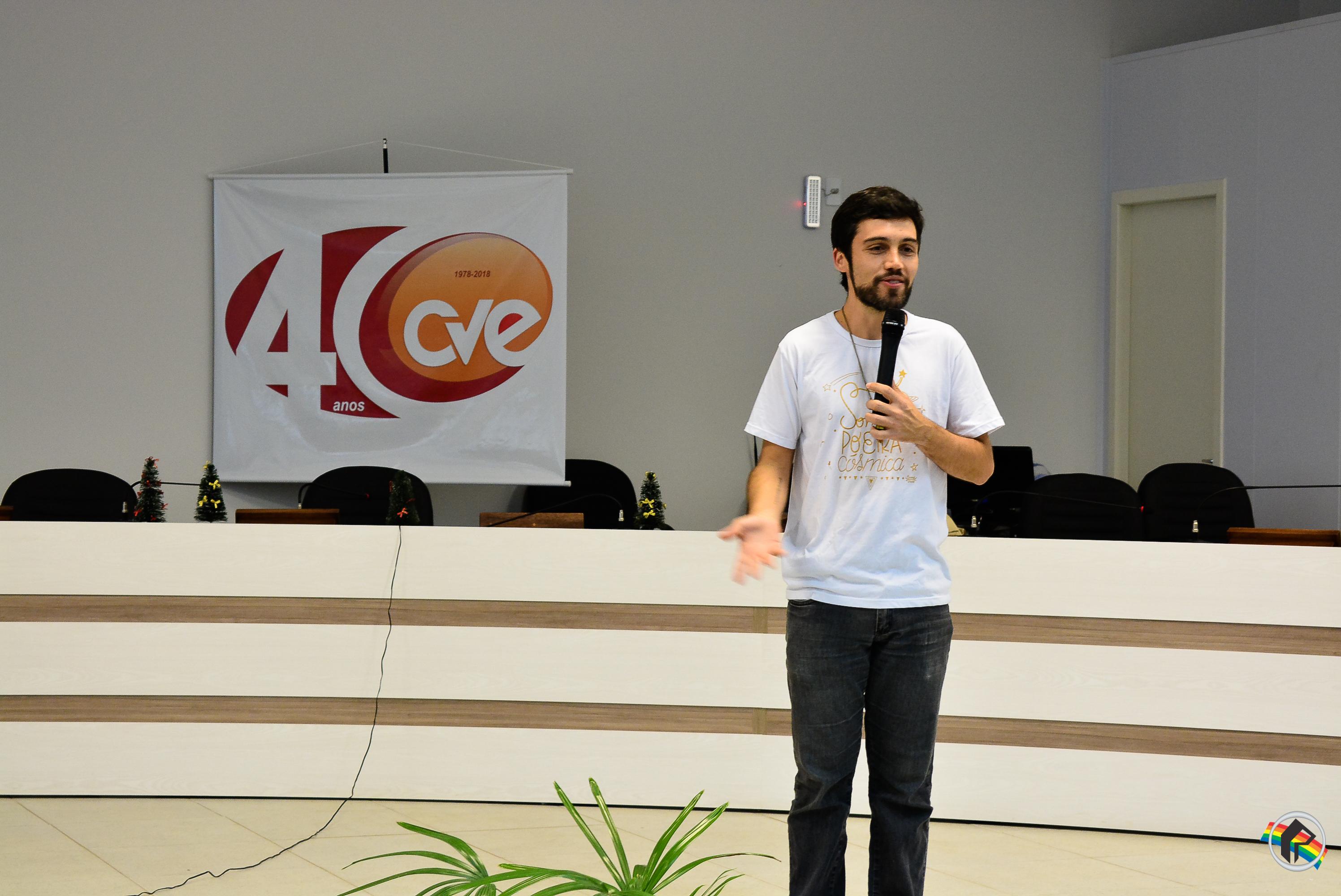 Instituto Educacional CVE promove palestra com Thiago Berto