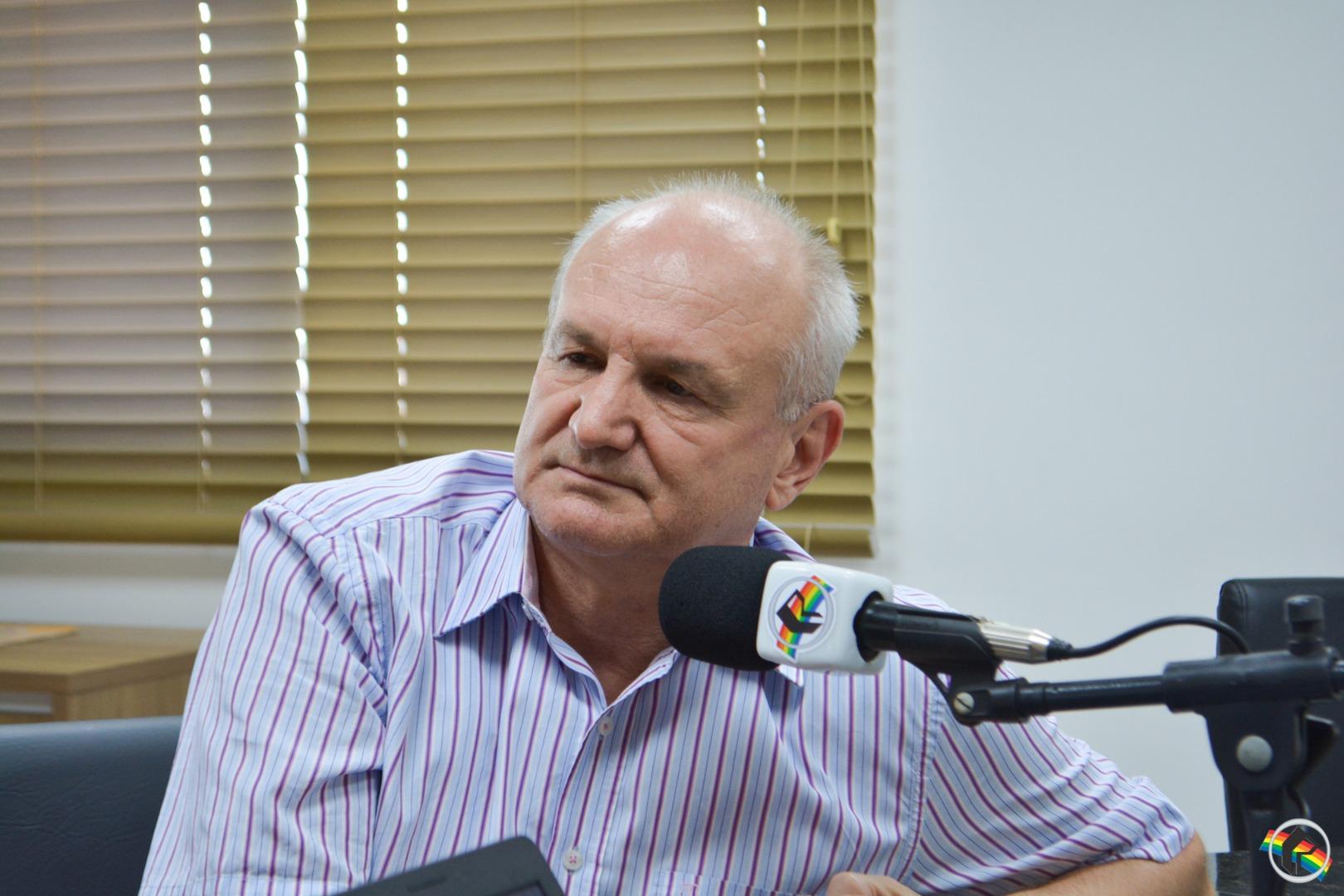 Deputado Esperidião Amin participa do Peperi Rádio Repórter