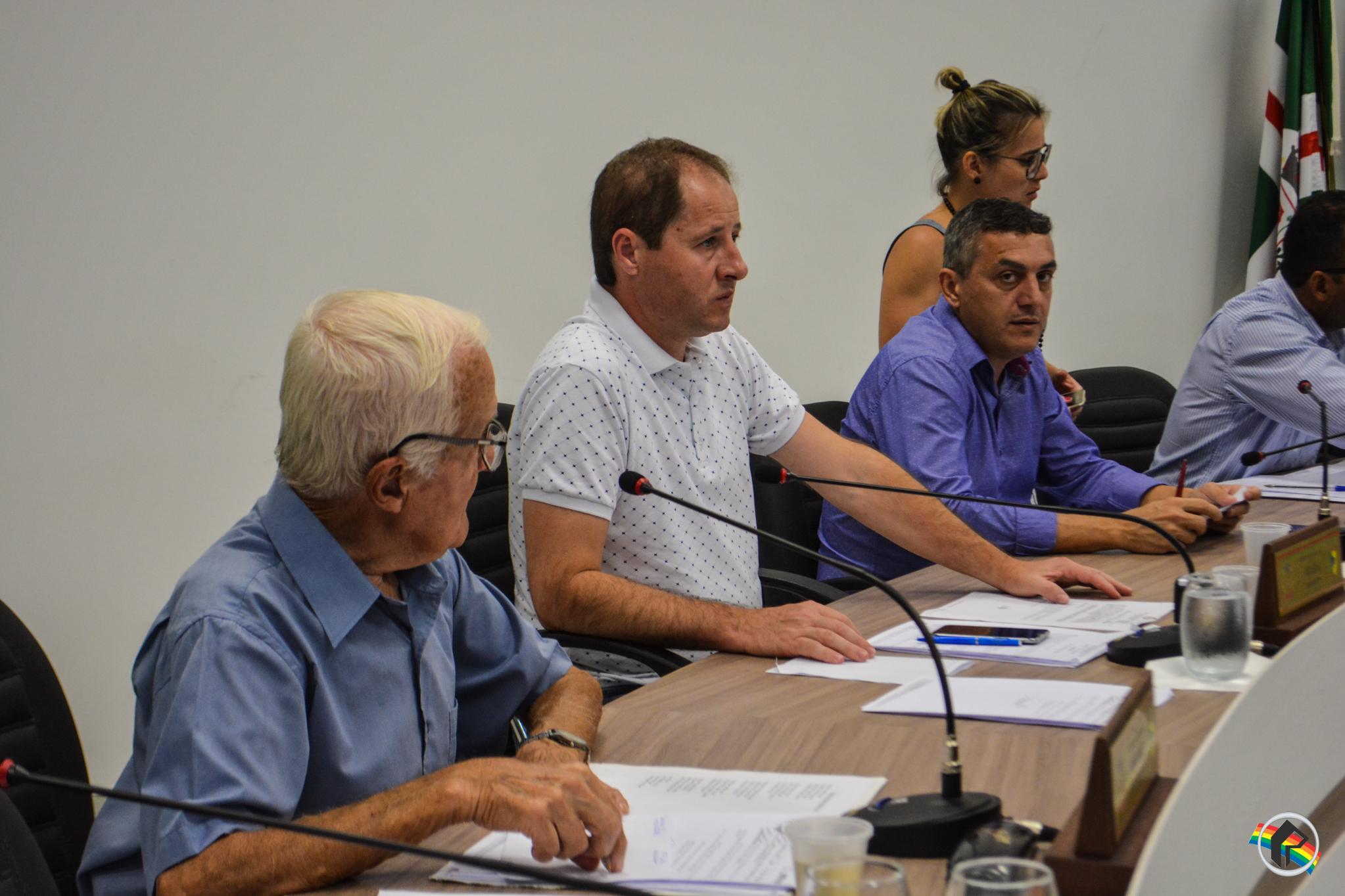 Vereadores aprovam projeto que trata sobre a recolha de animais mortos no interior