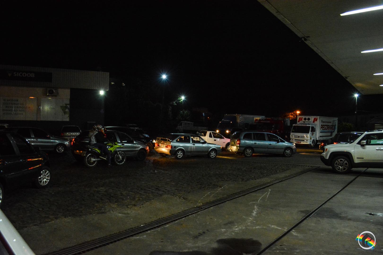 VÍDEO: Postos registram formação de filas em São Miguel do Oeste