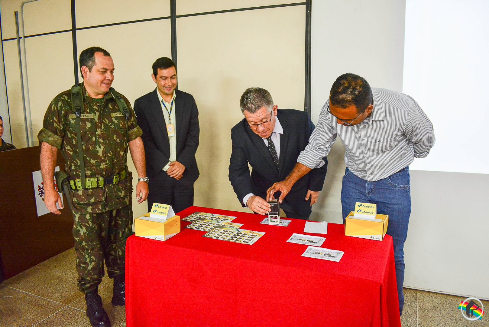 Correios lança selo alusivo aos 30 anos do 14º RCMec