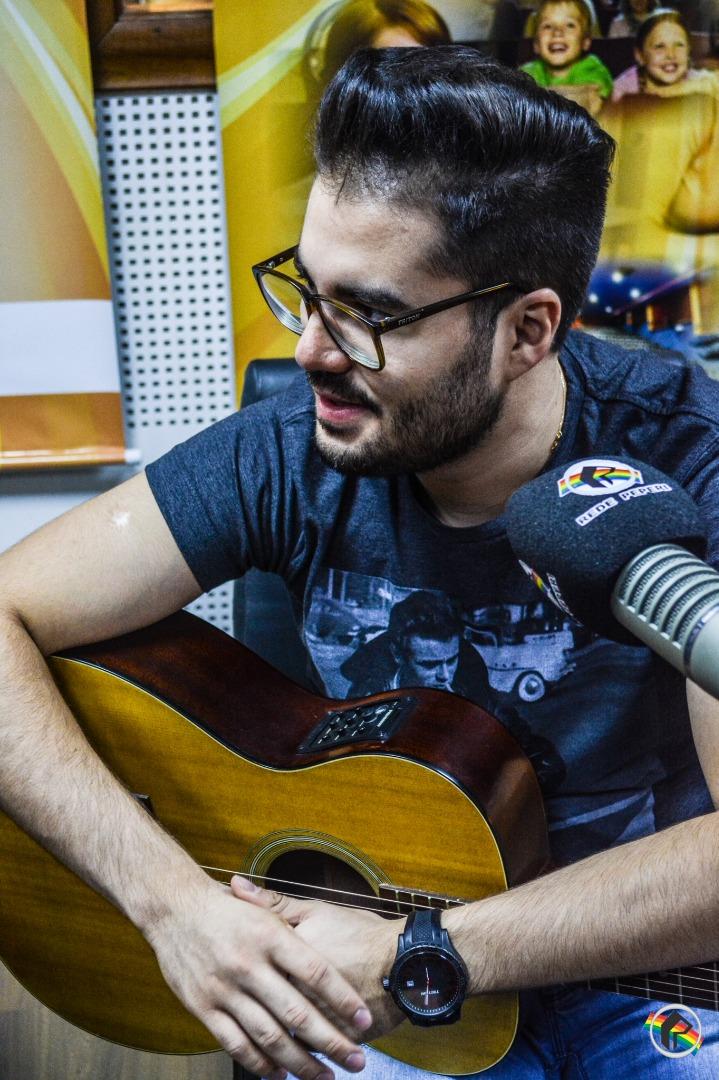 VÍDEO: Gabriel Farias visita a Peperi e participa do programa Bem Loko