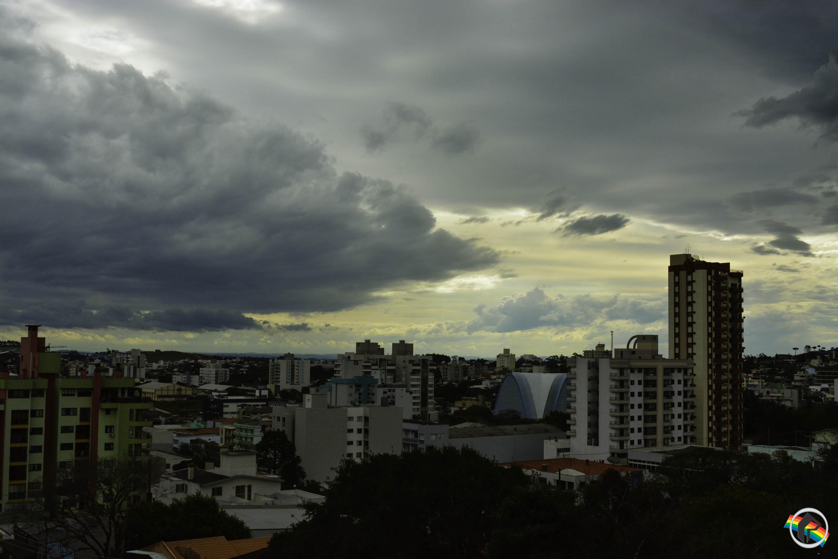 Terça-feira segue com tempo instável em Santa Catarina