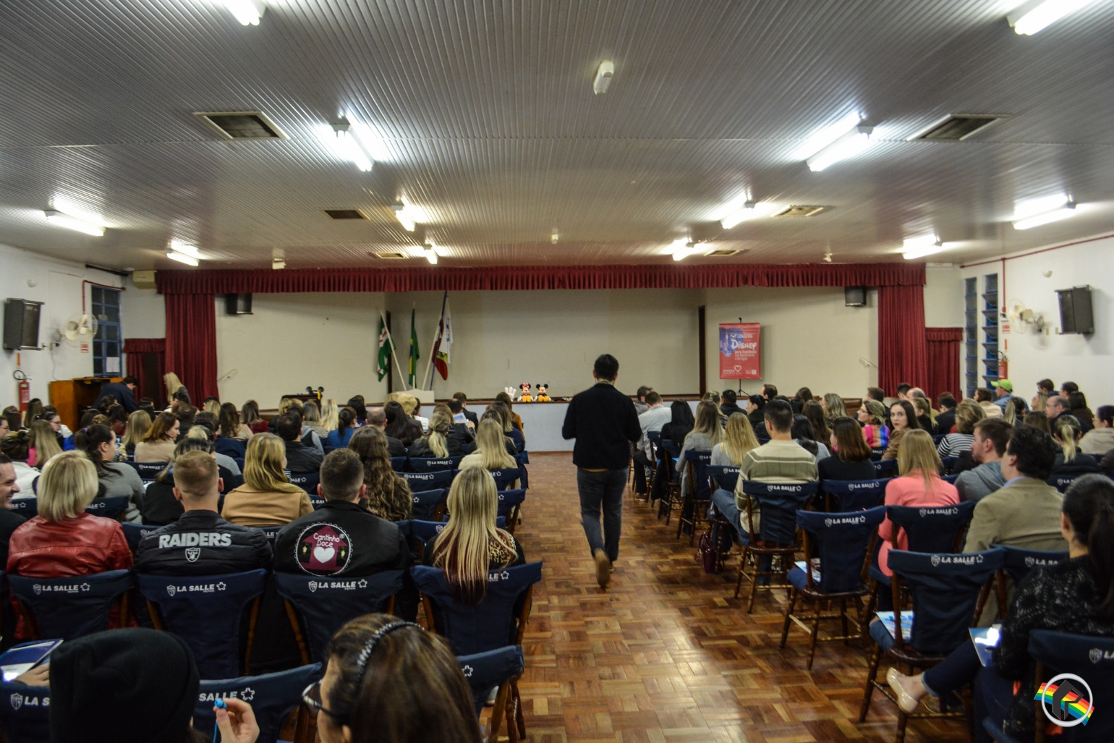 Palestra da JCI lota auditório do La Salle Peperi em São Miguel do Oeste