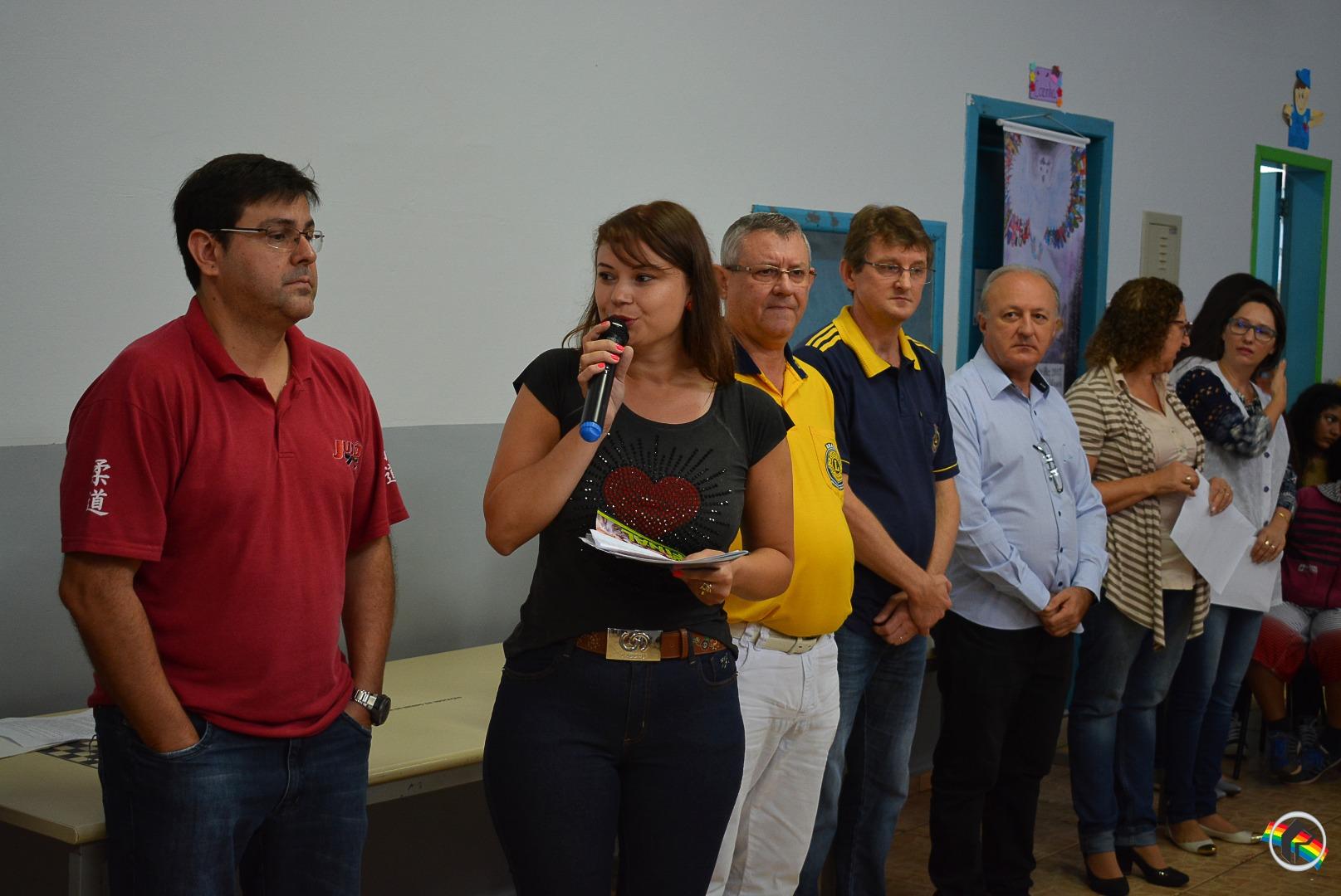 Estudante de São Miguel do Oeste recebe prêmio de honra ao mérito do Lions Internacional