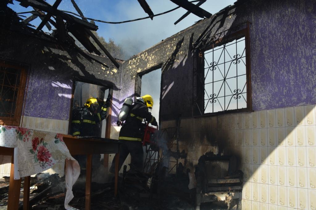 Casa é consumida pelo fogo no interior do município