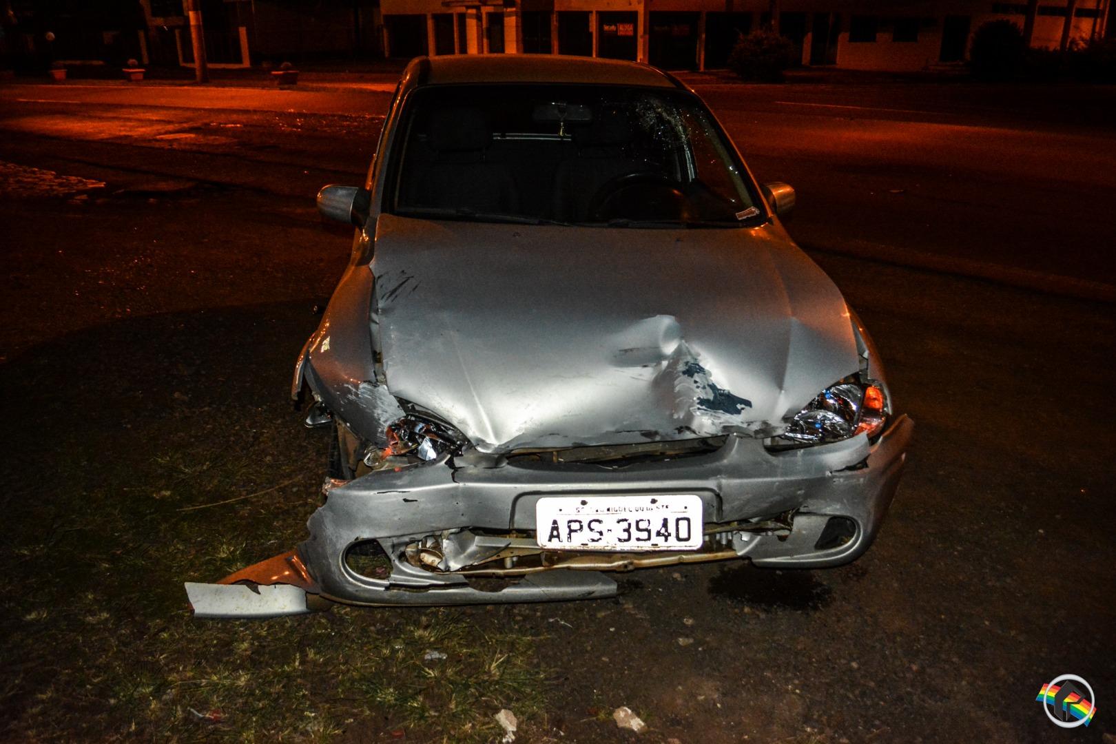 Duas pessoas ficam feridas em acidente na Willy Barth