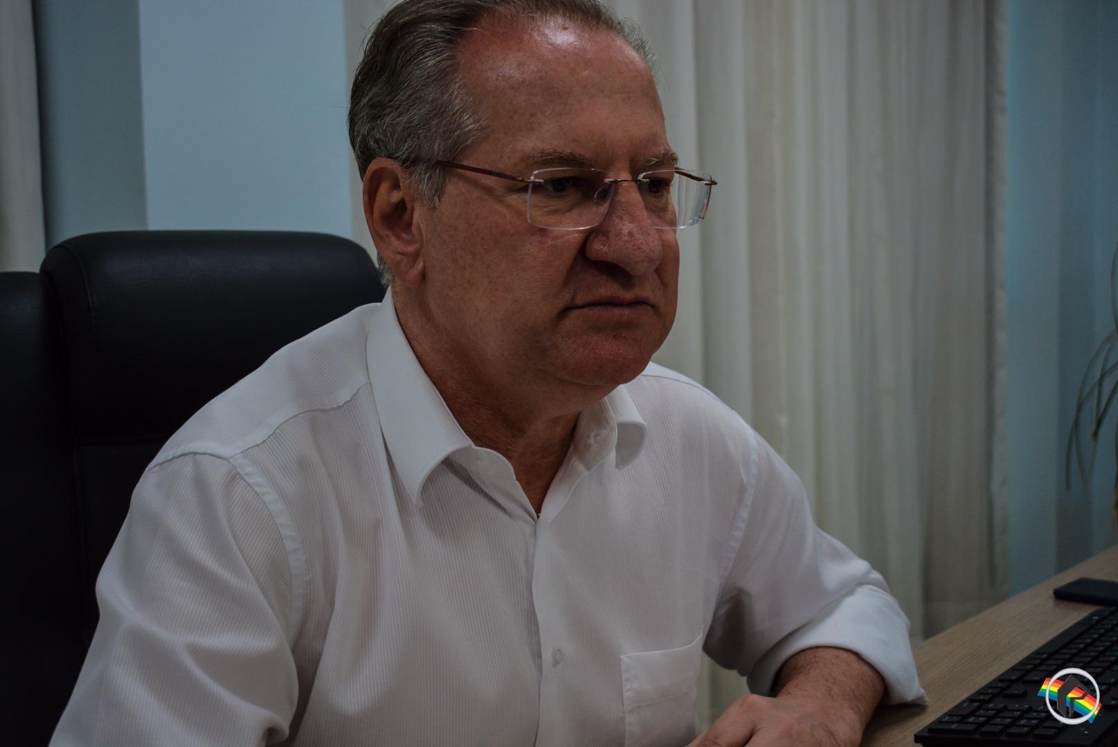 Prefeito e entidade se reúnem para combater a dengue no município