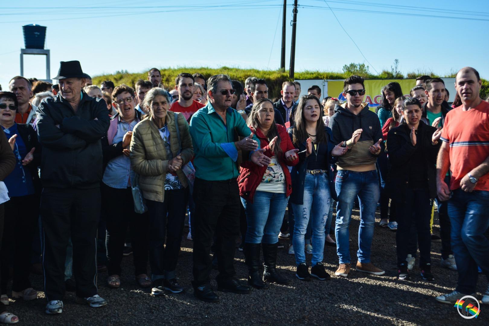 VÍDEO: Centenas de pessoas participam de romaria no Caravaggio