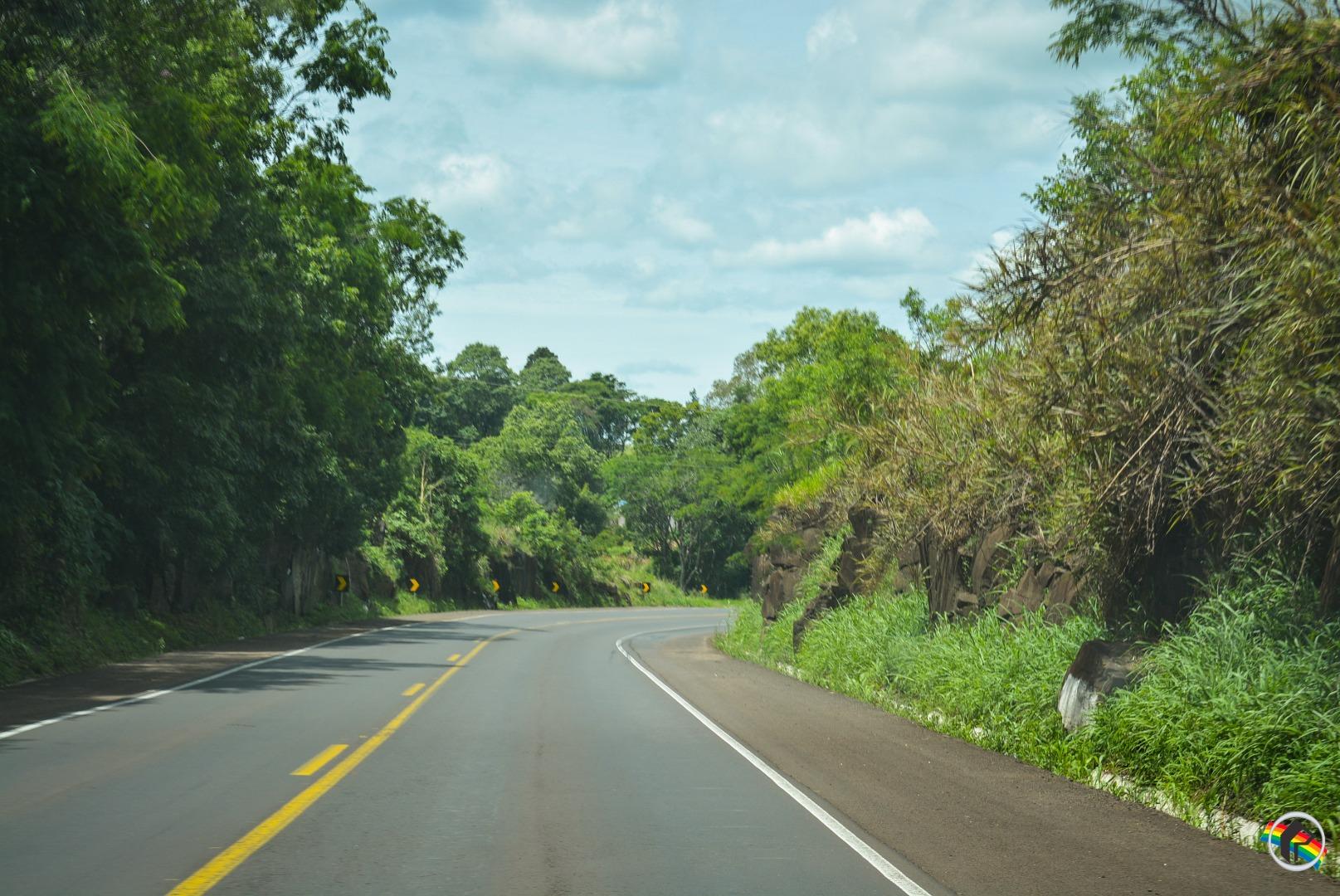 Volta do feriadão de Finados provoca aumento de fluxo em rodovias na região