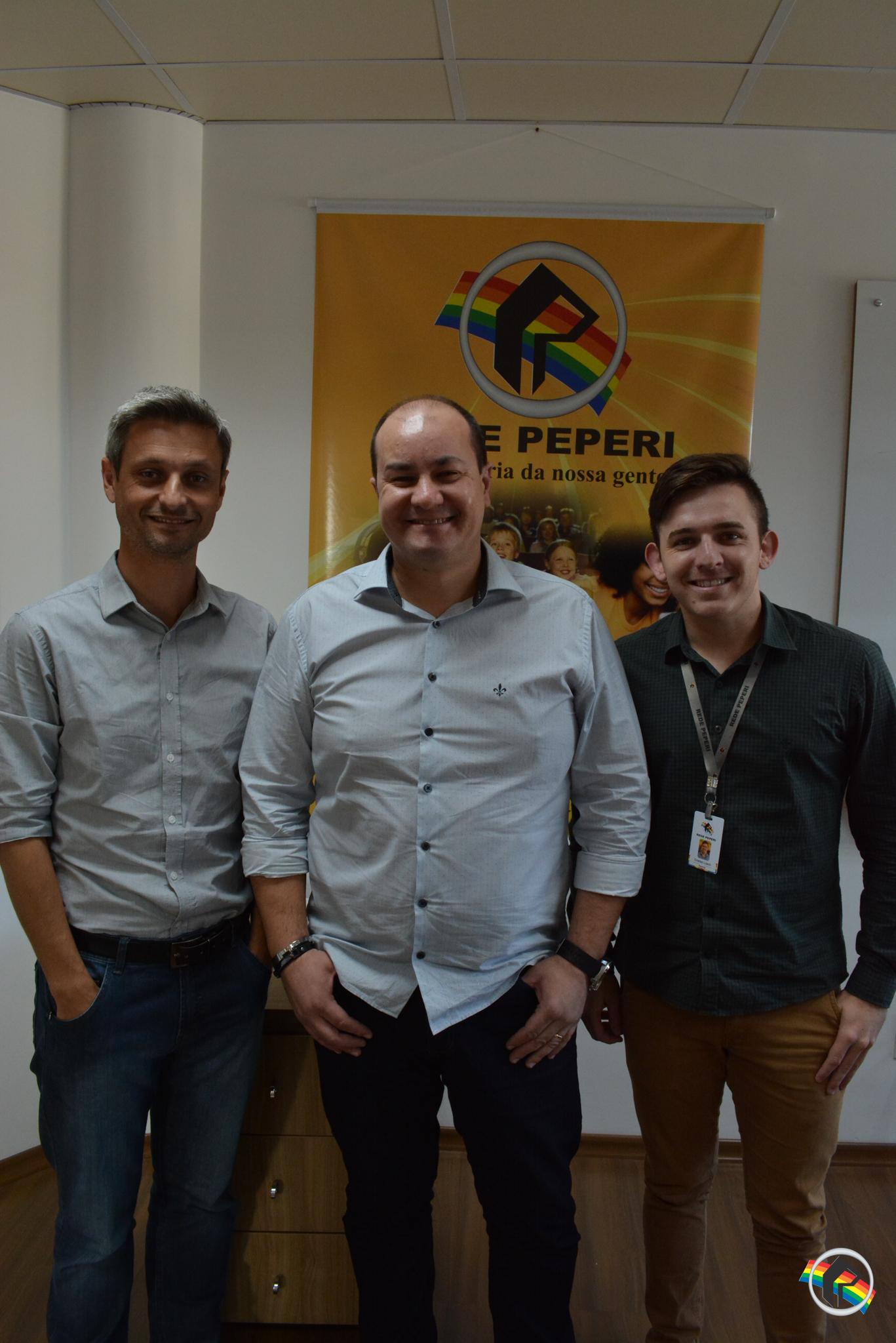 Profissionais da Peperi estão na final do prêmio Acaert de Rádio