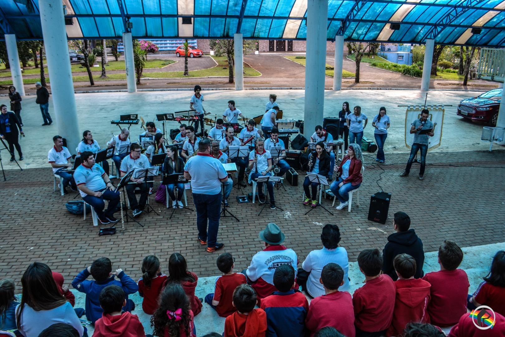 VÍDEO: Jazz Band Elite se apresenta em São Miguel do Oeste