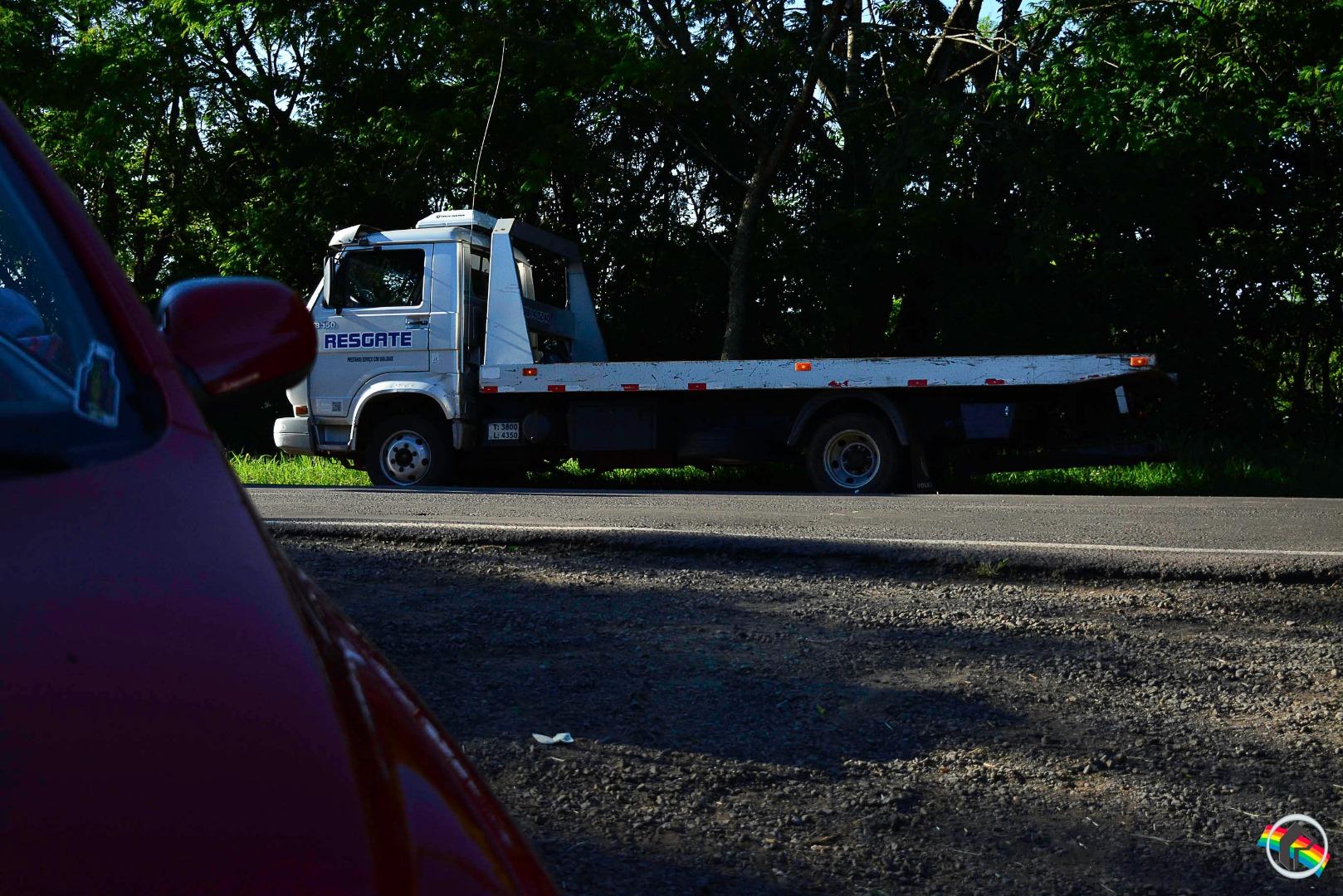 PM atende acidente com veículo possivelmente roubado em SMOeste