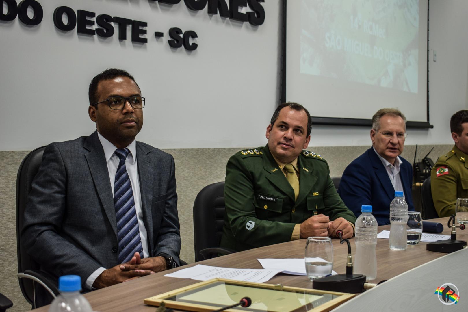 VÍDEO: 14º RCMec é homenageado em Sessão Solene