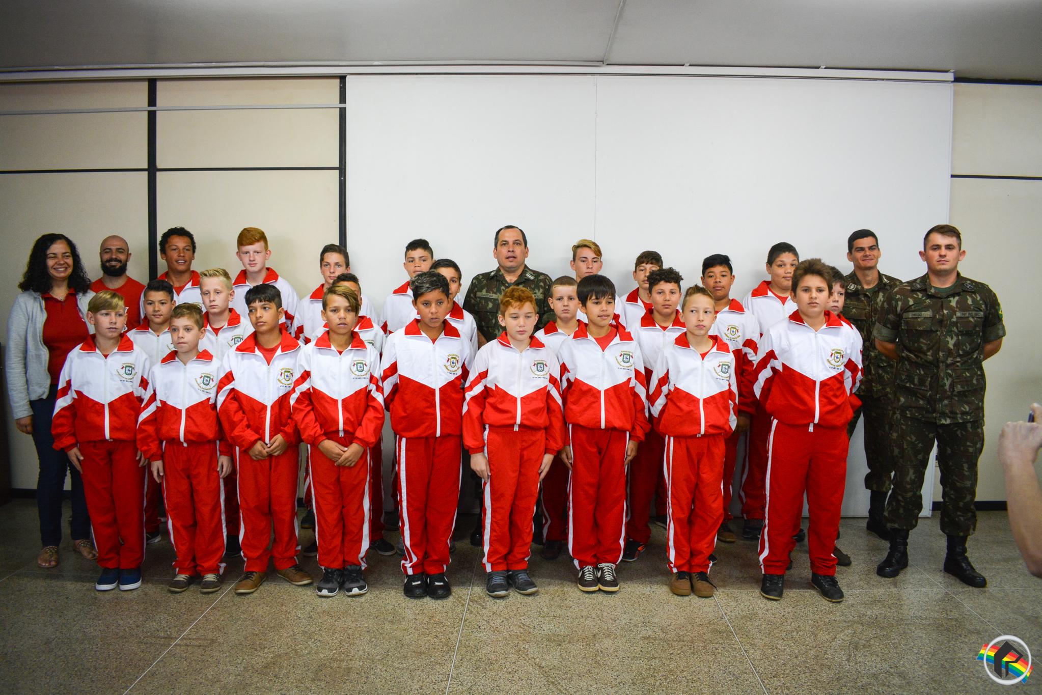 Projeto Pelotão Mirim forma 26 alunos em São Miguel do Oeste
