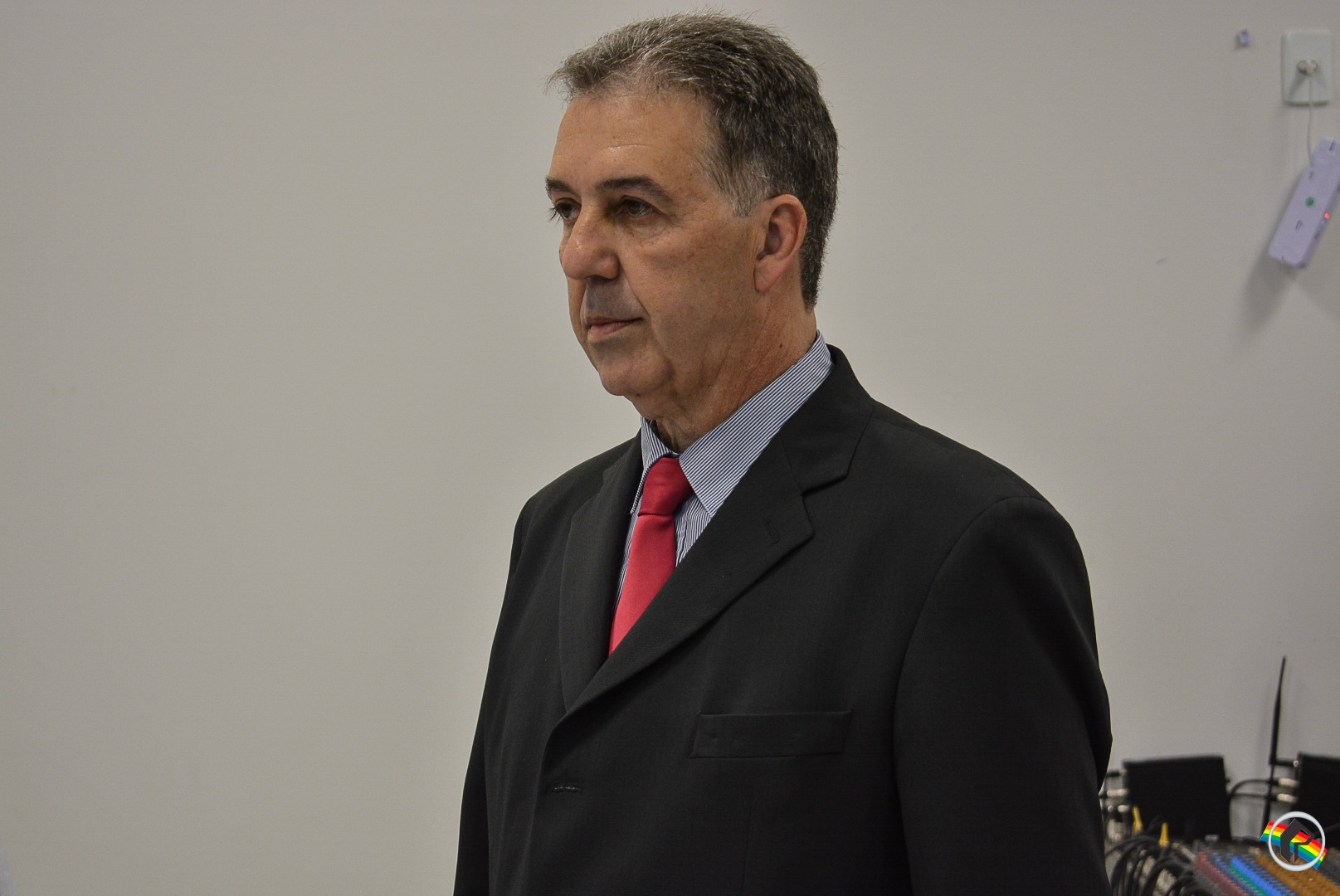 Prefeito Wilson Trevisan participa da primeira sessão do ano no legislativo e protocola projetos