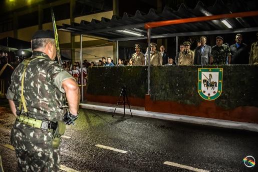 14º RCMec comemora dia da Cavalaria e entrega a Boina Preta fd933e43adf