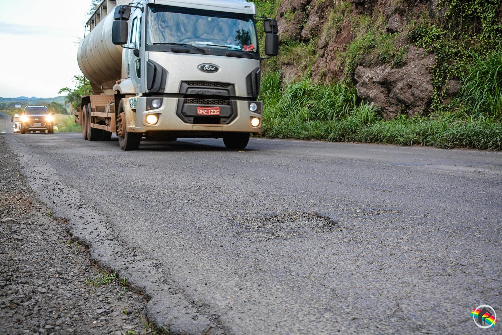 Dnit realiza recuperação emergencial de trecho da BR-163 em Guaraciaba