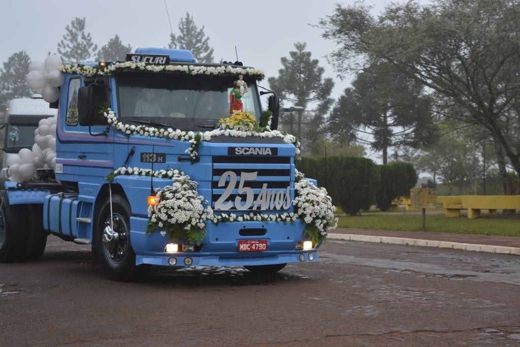 Tradicional Festa do Colono e Motorista reúne caminhoneiros da região