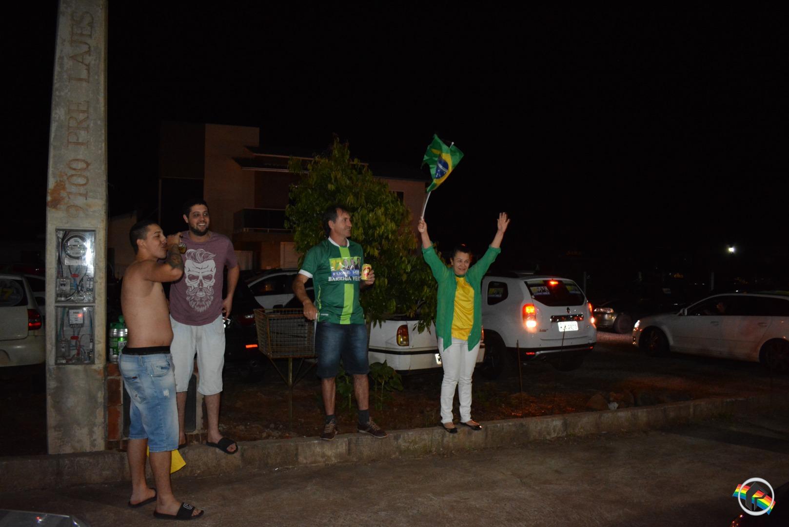 FOTOS: PSL municipal comemora vitória de Comandante Moisés e Bolsonaro
