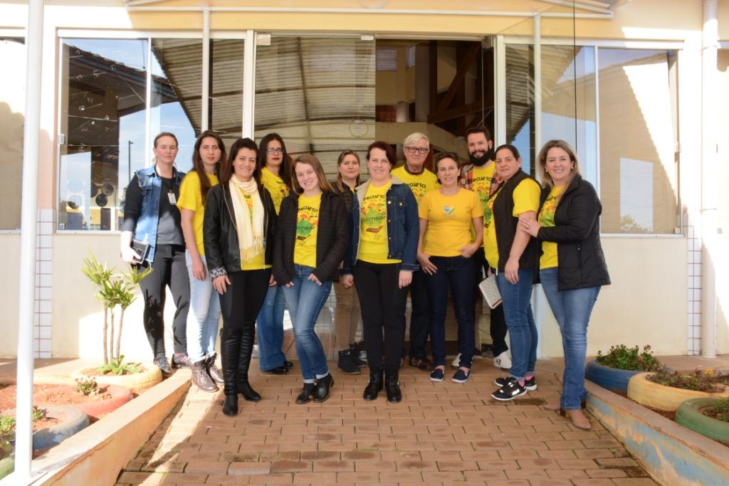 Projeto Secretaria Itinerante atende moradores do Bairro Melo