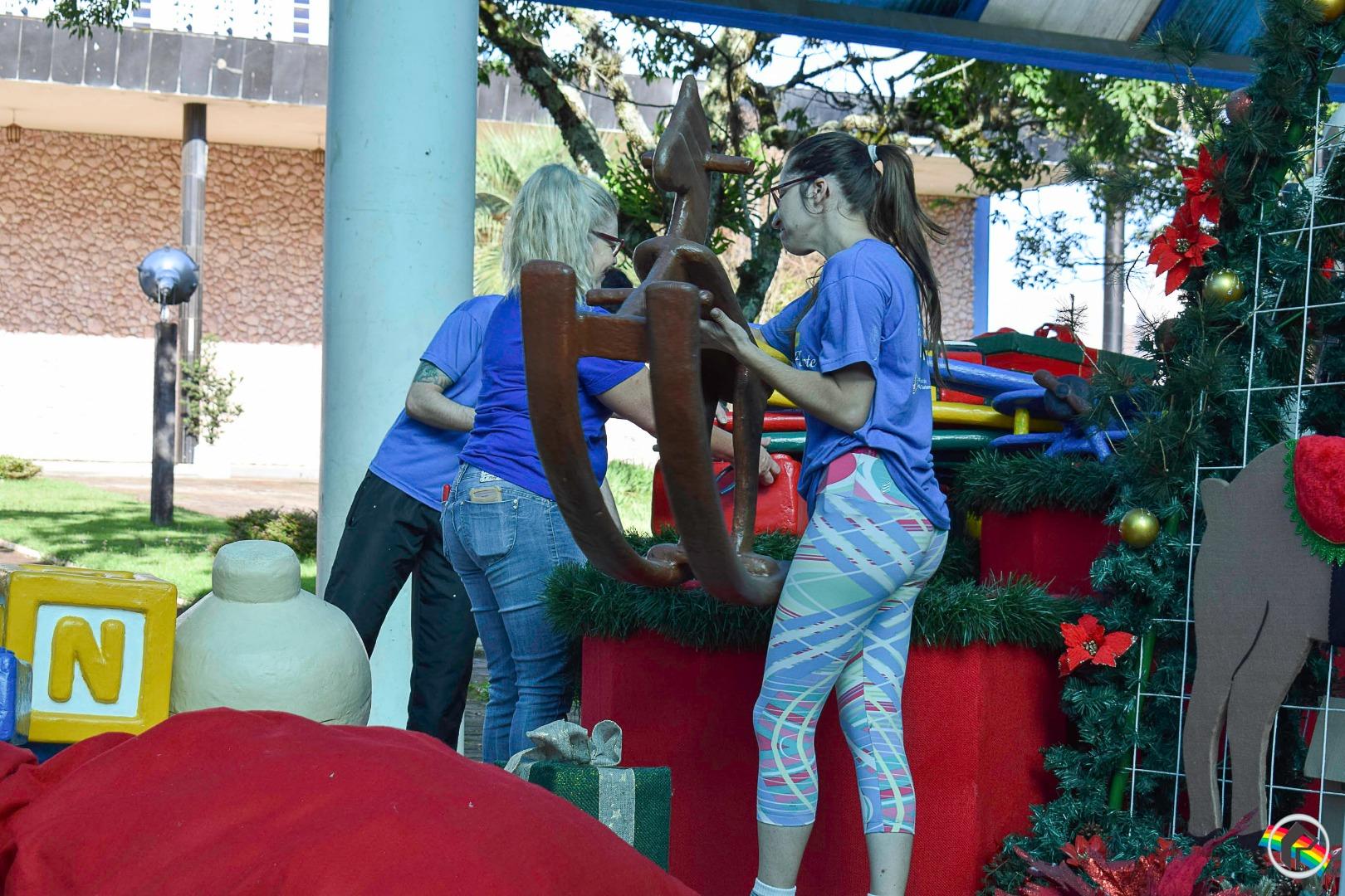 Decoração Natalina começa retirada da área central de São Miguel do Oeste