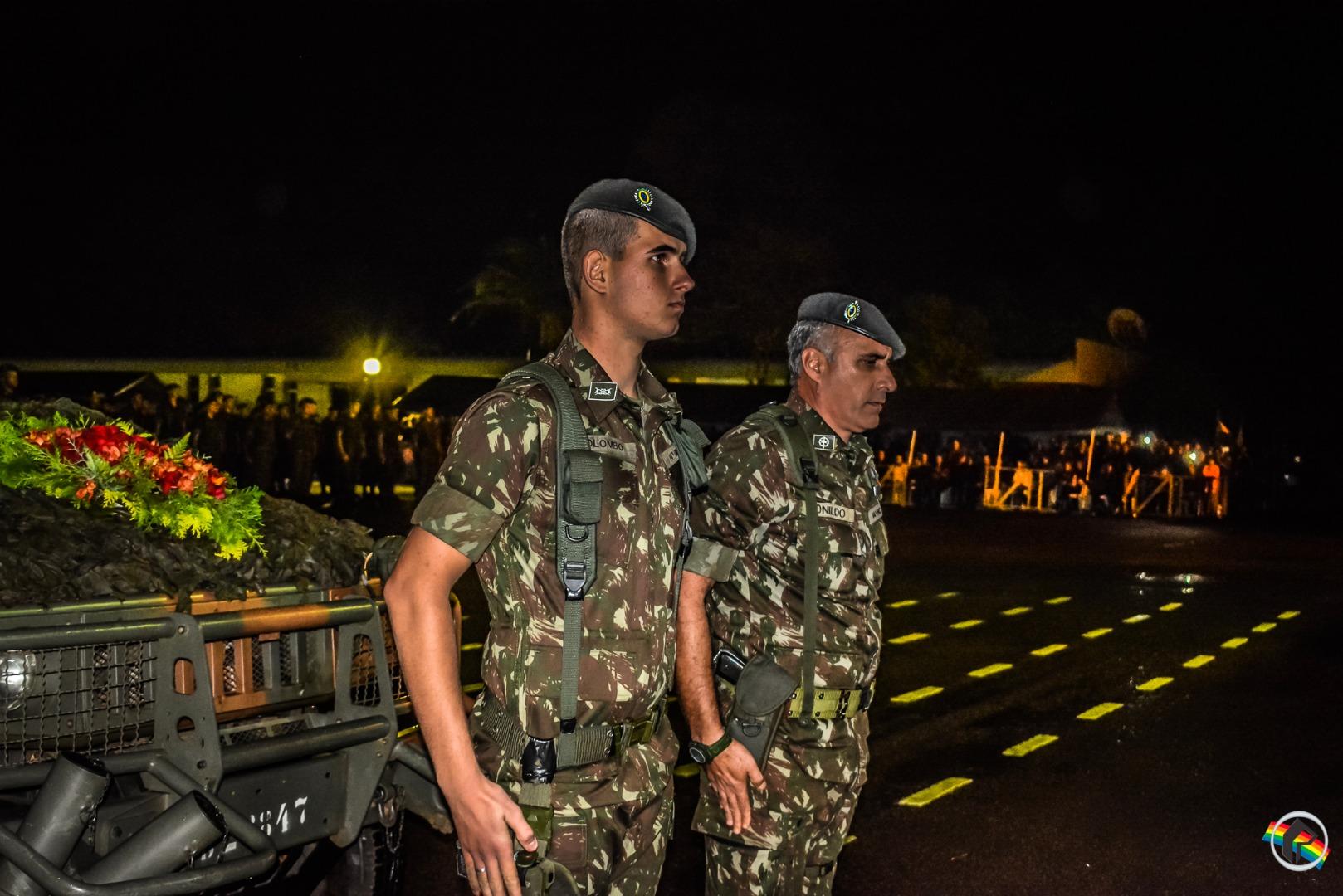 14º RCMec comemora dia da Cavalaria e entrega a Boina Preta