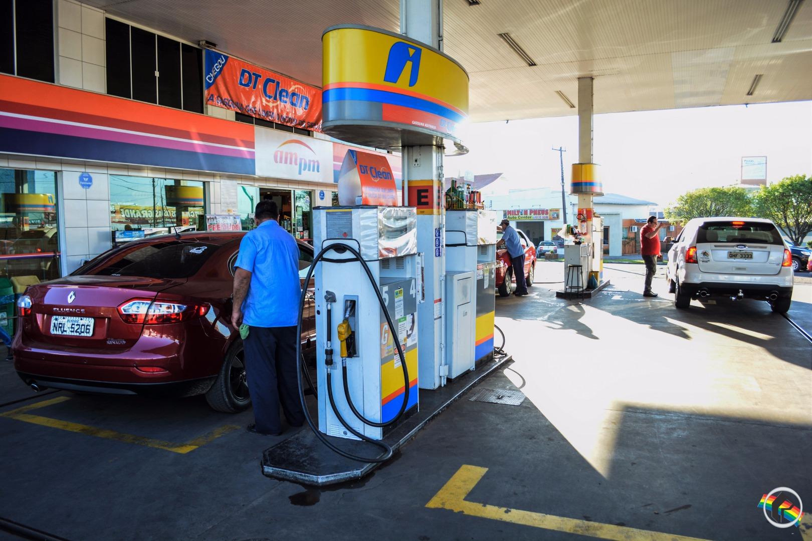 Preço da gasolina deve aumentar nos postos de SC a partir de sexta