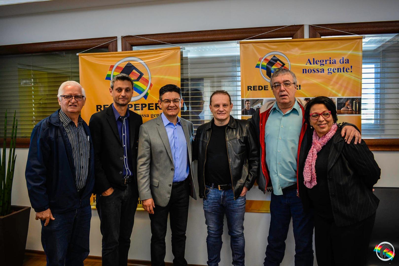 Candidatos do Partido dos Trabalhadores visitam sede da Rede Peperi