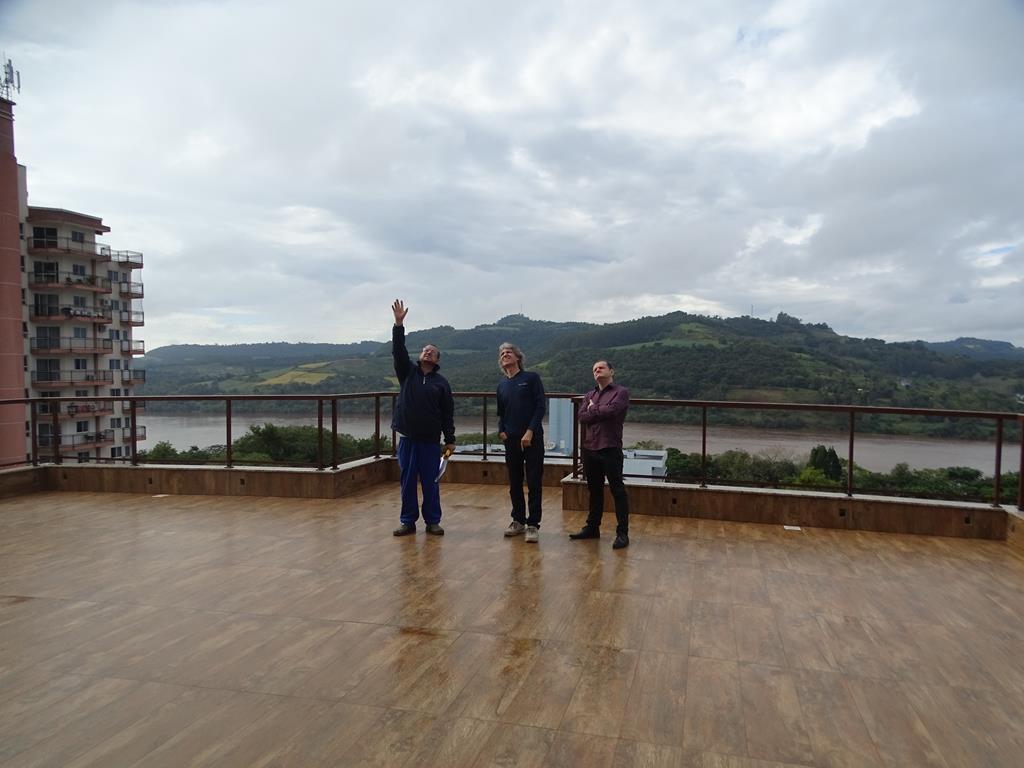 Diretor da Rede Peperi visita edifício em Itapiranga