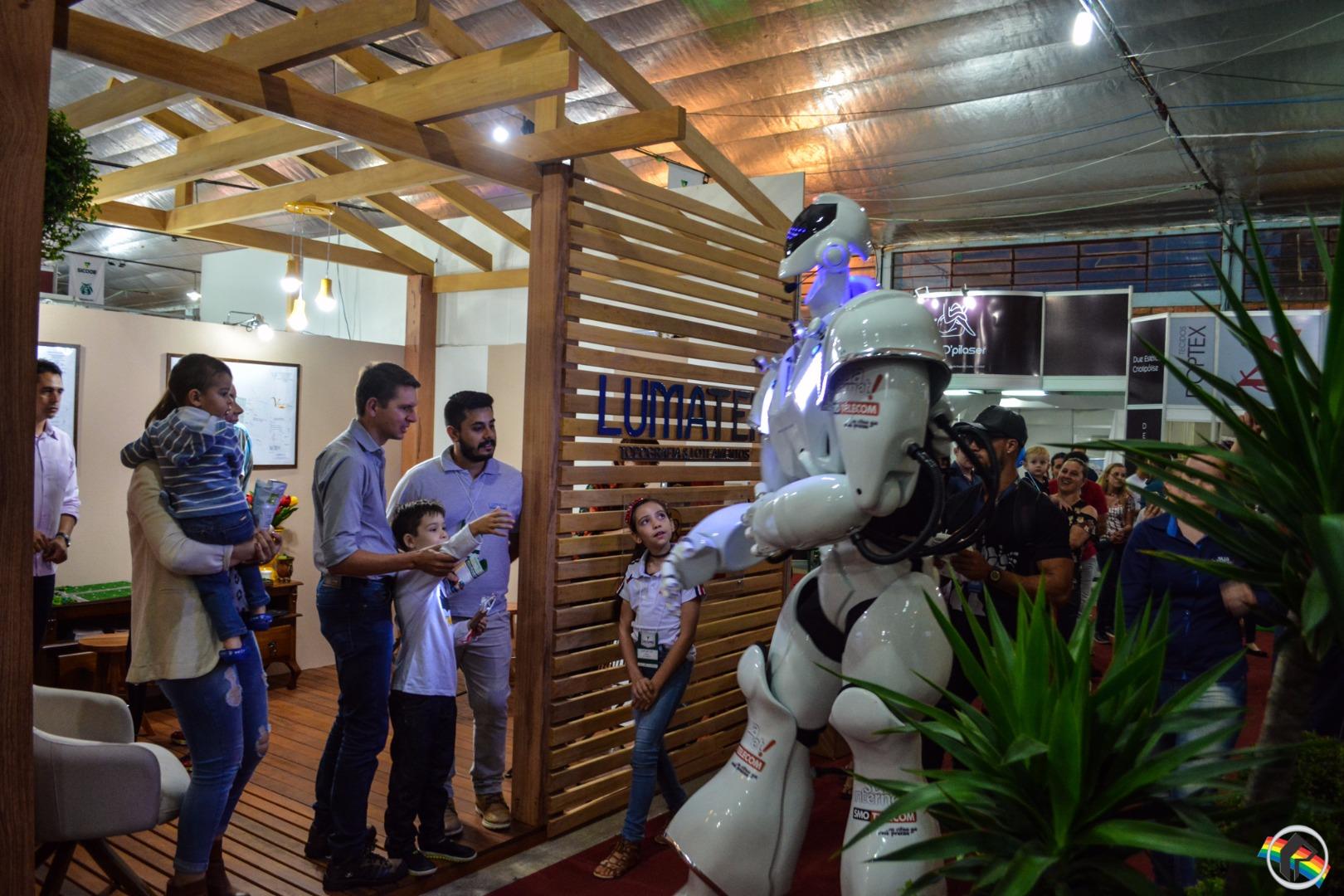 SMO Telecom traz o Robozão para a Faismo 2017
