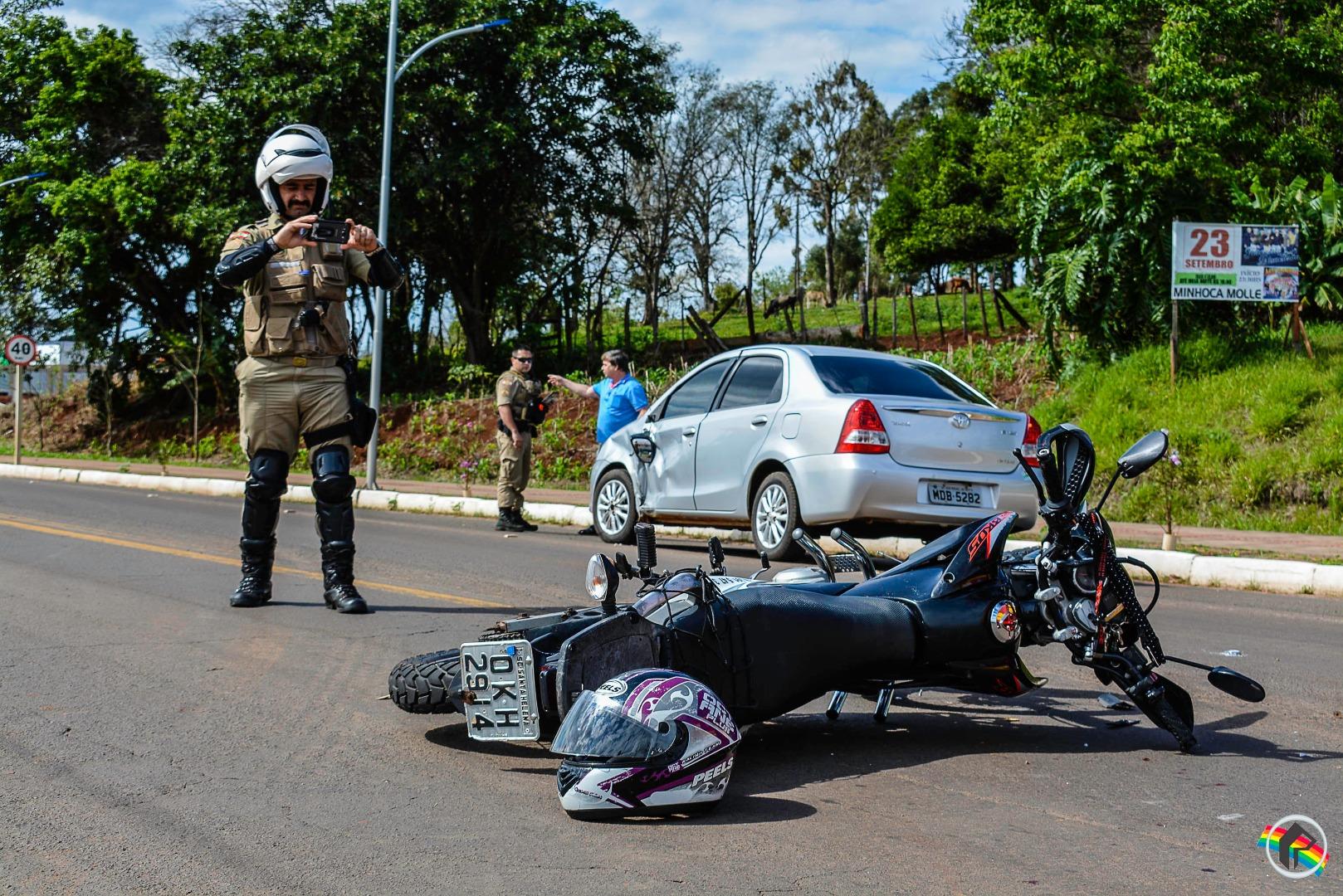 Colisão entre carro e moto é registrada em São Miguel do Oeste