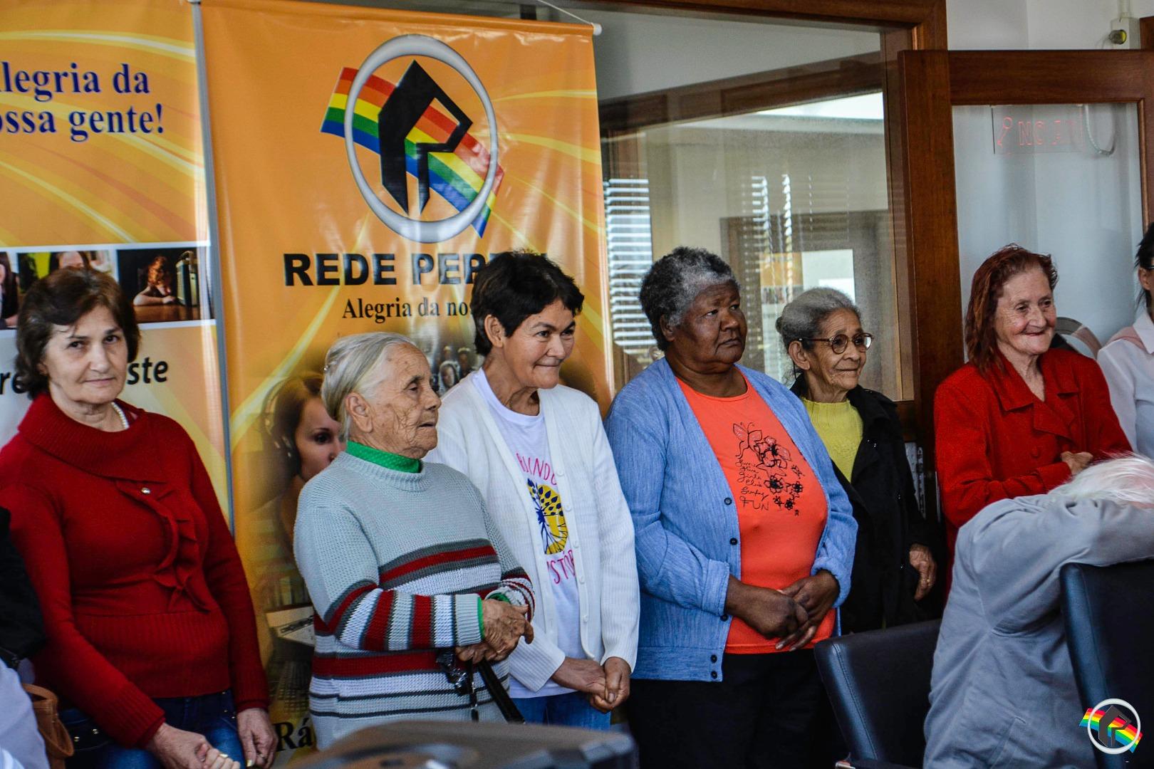 Grupo de Idosos do PAIF visita sede da Rede Peperi