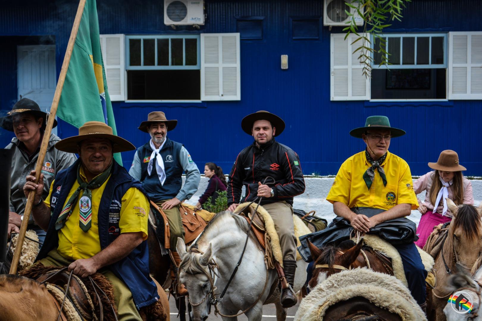 VÍDEO: Cavalgada da Integração passa por São Miguel do Oeste