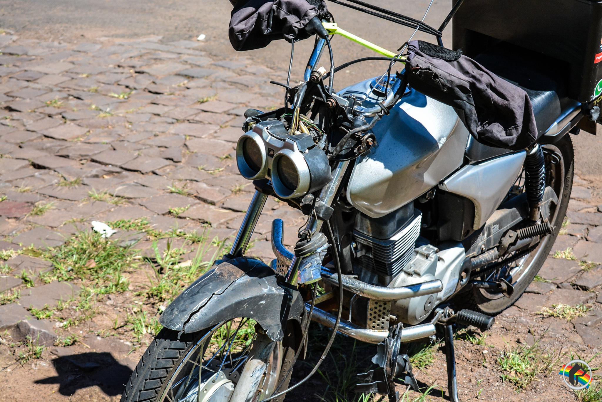 Motociclista fica ferido ao colidir na traseira de carro em São Miguel do Oeste