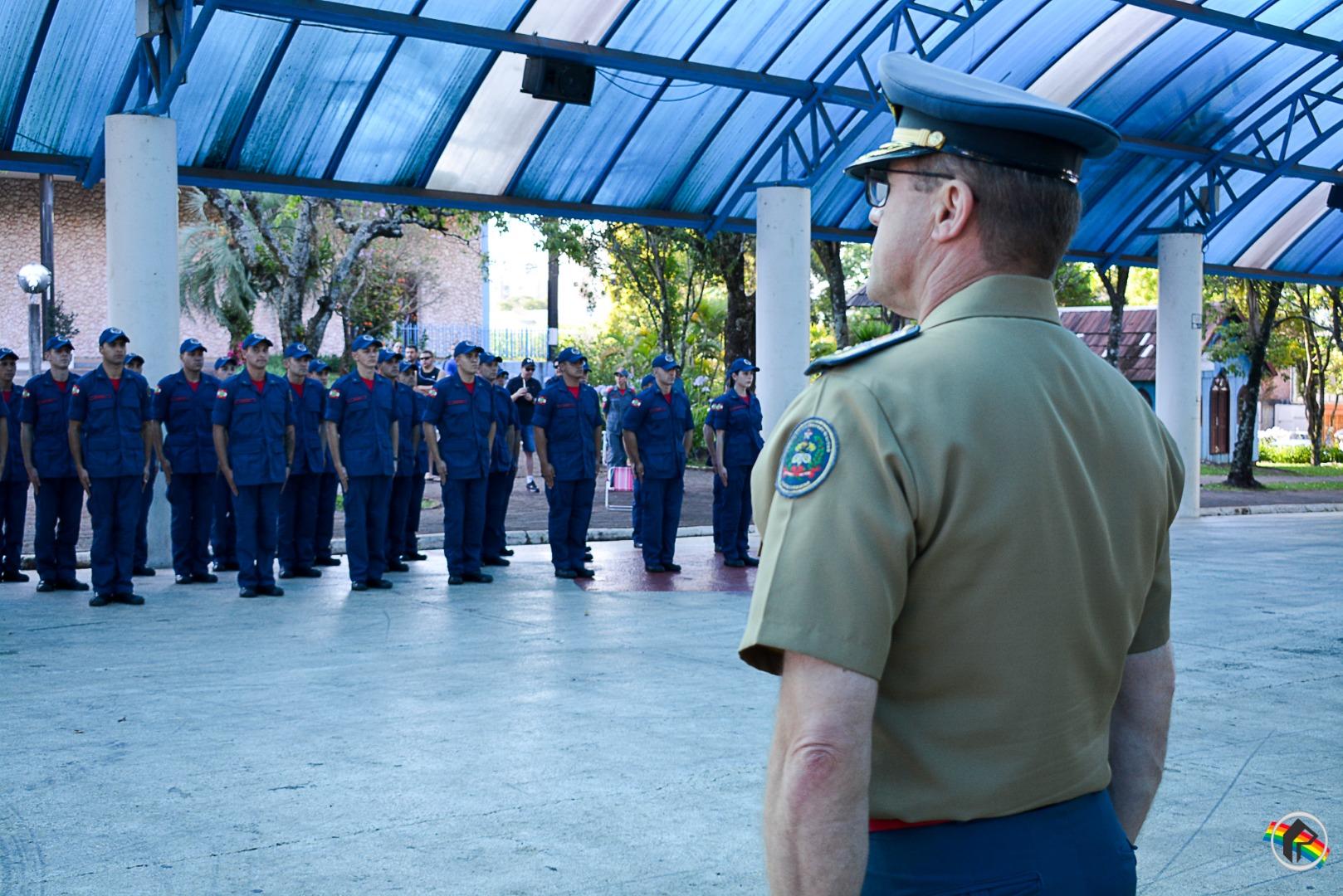 VÍDEO: Solenidade marca formatura de 32 novos soldados Bombeiro Militar