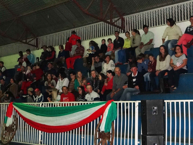 Apresentações marcam abertura da semana das Etnias