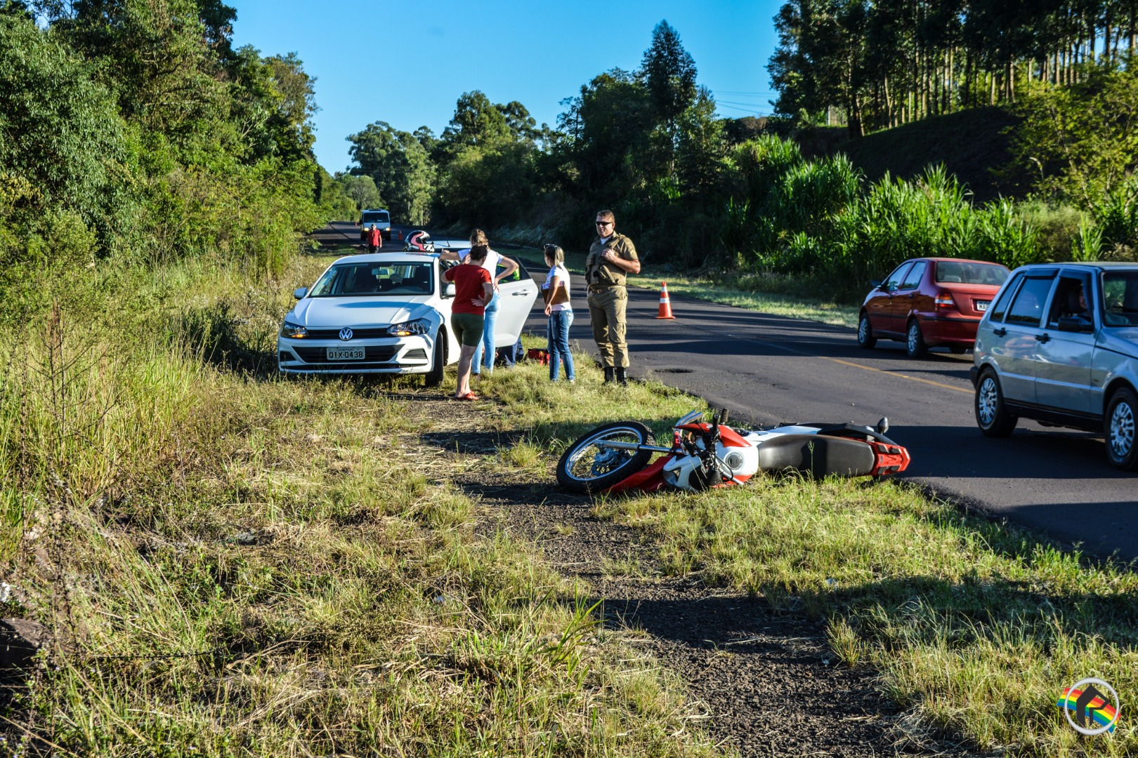 VÍDEO: Jovem sofre ferimentos ao cair de moto na BR-163