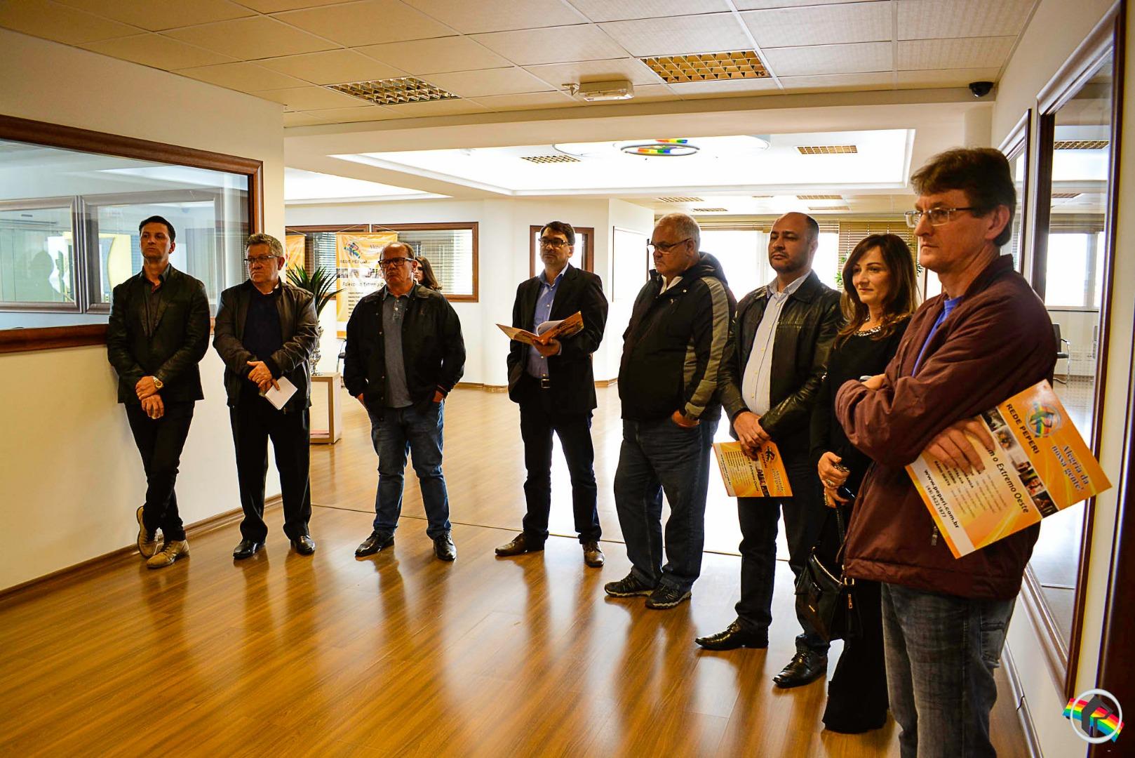 Partidos participam de reunião para definir debates na Rede Peperi