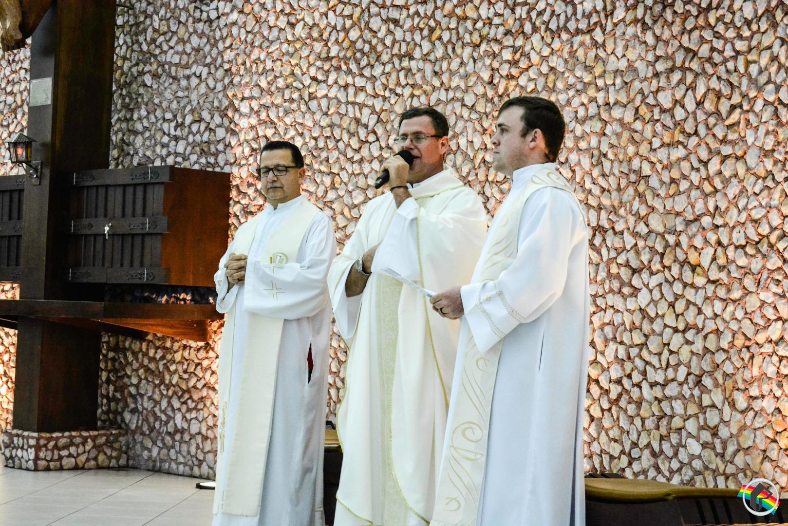 Igreja Matriz São Miguel Arcanjo acolhe símbolos vocacionais