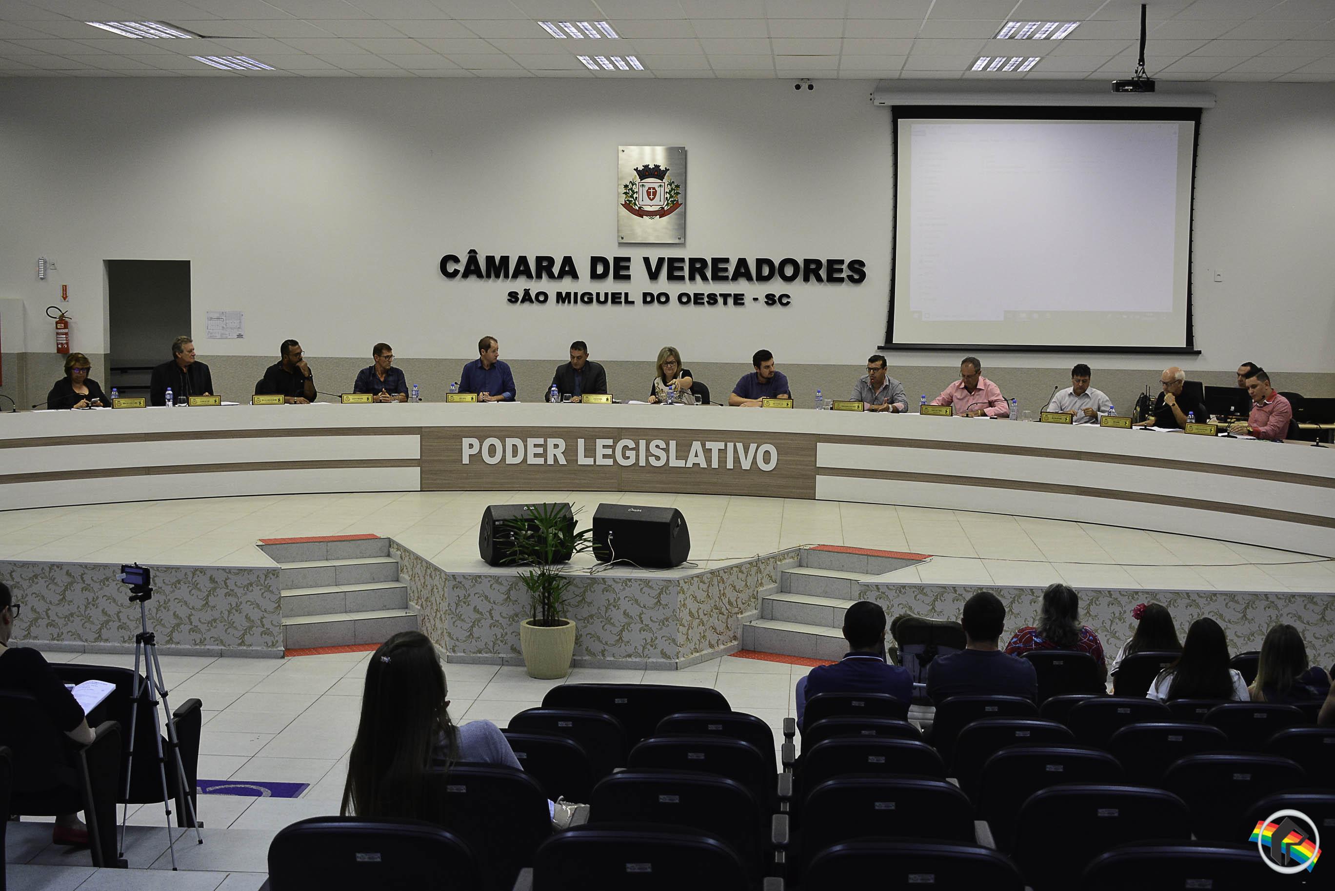 Câmara rejeita análise de projeto semelhante ao que instituiria o horário livre do comércio