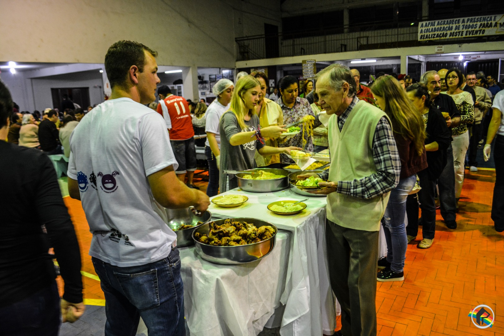 Mais de 700 pessoas participam do Jantar Italiano da APAE