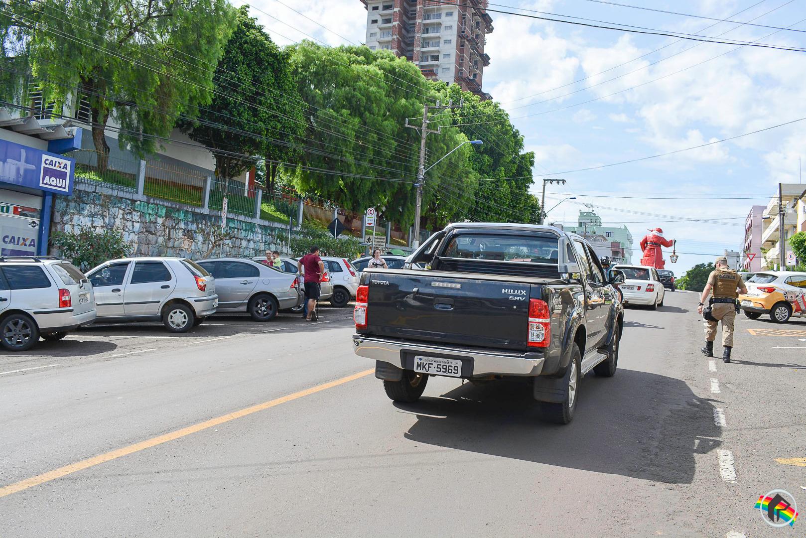Idosa é atropelada ao atravessar fora da faixa em São Miguel do Oeste